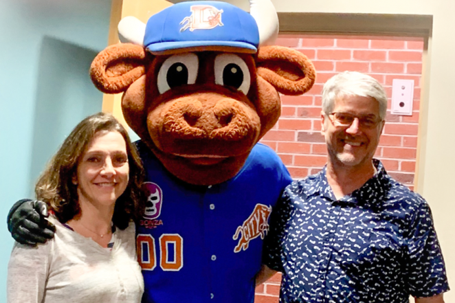 Tamar and Chris Schlekat with Durham Bull's Wool E.
